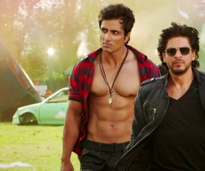 Happy-New-Year-2014-Shahrukh-Khan-and-Sonu-Sood-300x250